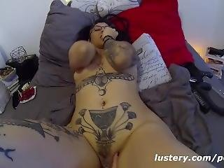Real, Lesbian Couple Have Raw Fucking Session