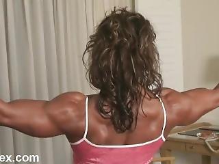 Michelle_baker_webcam_posing