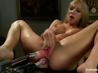 Fucking Machines - Amy Brooke - Two In The Ass