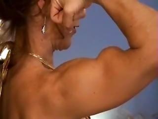 Audry Bikini And Biceps Peaks