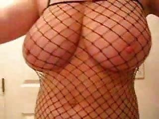 Busty Mom Shows Hor Body