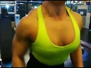Biggy Korean Girl Develop Her Traps And Shoulders