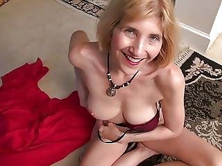 Anal Sex Addict Granny Wants Double Penetration