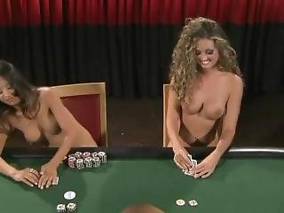 Hot Body 3 - Naked Poker Finals
