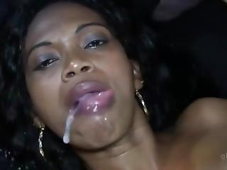 Zadarmo bisexuálne eben porno