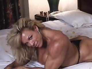 Female Bodybuilder Nude On Bed Posing