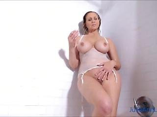 Milf Julia Ann From Localmilf.info Get Wet In The Shower