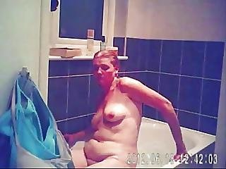 Sarahd Bath Masterbation