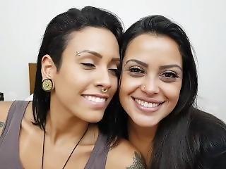 2 Latinas Extreme Kissing