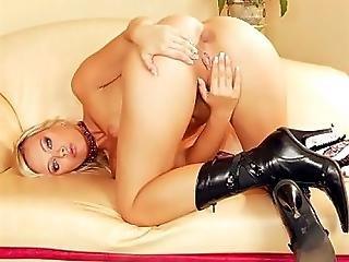 Ellen Stuffing Her Ass