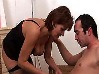 Jana Mature Houswife In Stockings Having Sex On The Floor