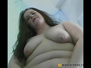 Chunky Beauty Touches Her Crack