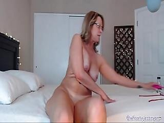 Hot Mom Jess Ryan Plays With Pussy And Ass On Cam
