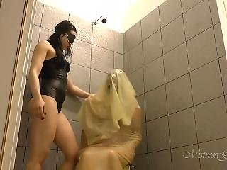 Shower_smother