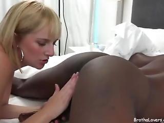 Fetishe, Interracial, Lamber O Cú