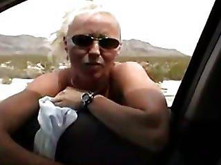 Fantastisk, Blond, Blowjob, Bil, Utstilling, Flashing, Briller, Håndjobb, Utenførs, Offentlig, Kjøretøy