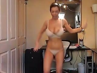 Big Tit Dancing Chick. Sandee From 1fuckdate.com
