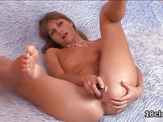 Sweet Sweetie Is Gaping Spread Cunt In Close-up And Coming