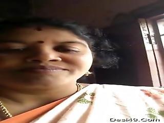 Mallu Chubby Aunty Show