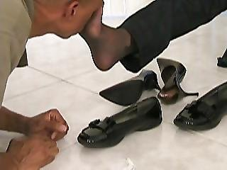Sniffing On Nylonfeet