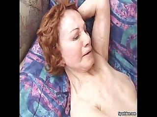 빌어 먹을, 할머니, 할머니, 털이 많은, 털이 음부, 하드 코어, 성숙한, 어머니, 늙은, 고양이, 섹스, 젊은