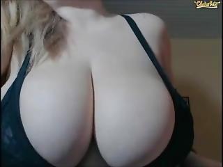 Amandasquirts Big Boobs