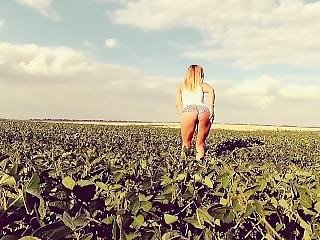 Young Teen Have A Public Anal Sex At The Field