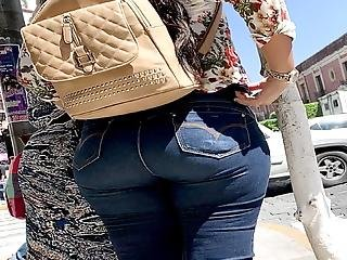 Latina Super Booty  Jeans 2