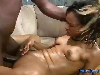 Hot Ebony Milf Gets Fucked Hardcore