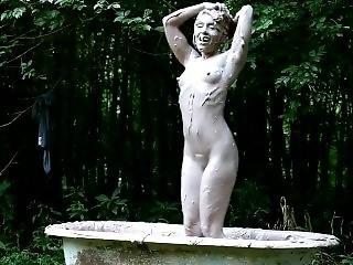 Annabel - Mud Bath