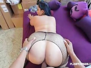 Sexy Plump Latina Bangs The Hunky Plumber