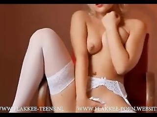 Beautiful Hot Teen Showing Her Body