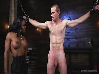 Straffe sort porno
