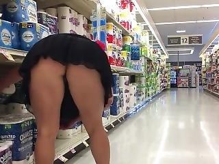 Milf Grocery Store Miniskirt Flashing