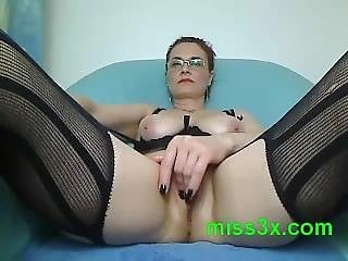 Fucking Hot Mom Show Her Wet Pussy For Anyone Who Love Lick Red Pussy