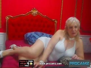 Mature Bbw Spreads Her Legs Wide For Cam