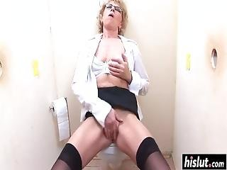 Naughty Granny Gets Her Pussy Fucked