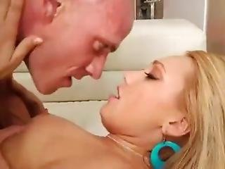 Blonde Babe With Huge Ass Pounded On Sofa Hd
