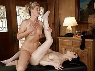 India And Audrey Adores Pussy Licking And Hot Scissor Sex