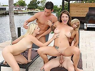 Hot College Babes Gets Wild In An Outdoor Orgy