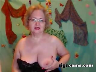 Blonde American Mature Masturbating On Webcam
