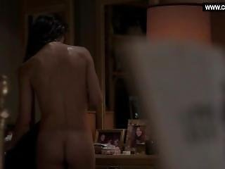 Keri Russell - Drops Her Towel, Bare Butt - The Americans S03e03 (2015)