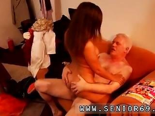 Teen Homemade Morning Sex And Tiny Teen Old Man Latoya Makes Clothes, But
