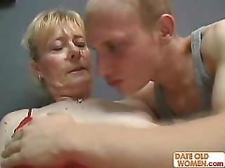 ξανθιά, γαμήσι, γιαγιά, Granny, τριχωτή, μητέρα, ρωσικό, άσχημη, νέα