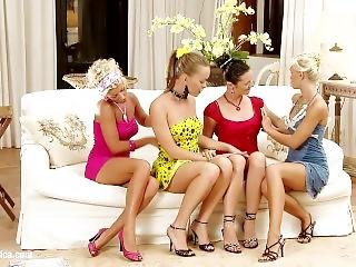 Lesbian Love (tea Jul, Lola Myluv, Blonde Angel, Mia Ross)