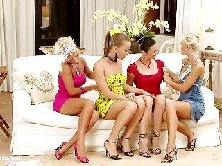 Lesbian Love (tea Jul, Lola Myluv, Blonde Angel, Mia Ross)