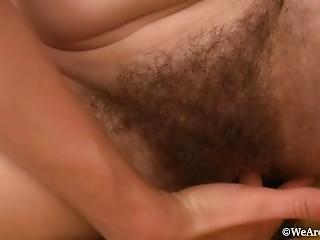 chlupaté, lízání, masturbace, milf, kunda, lízání kundy
