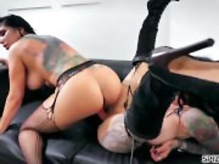 Spizoo - Romi Rain & Jenevieve Hexxx lesbian action, big booty & big boobs