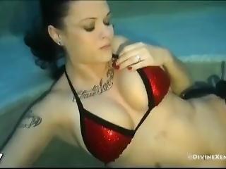 Girl Underwater Breath Hold 12