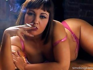 младенец, курение
